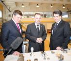 Полномочный представитель Президента России Николай Винниченко посетил Экспериментально-производственный комбинат УрФУ